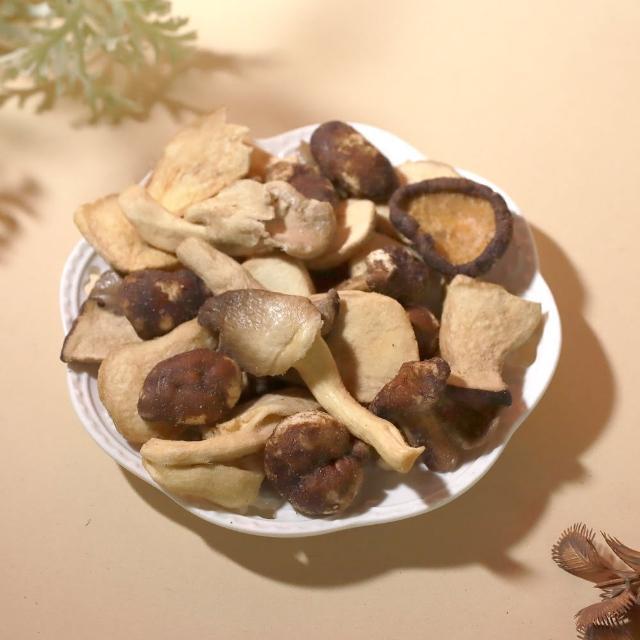 【青市集】綜合菇菇脆片 60G(杏鮑菇、秀珍菇、香菇、蔬菜脆片、餅乾)